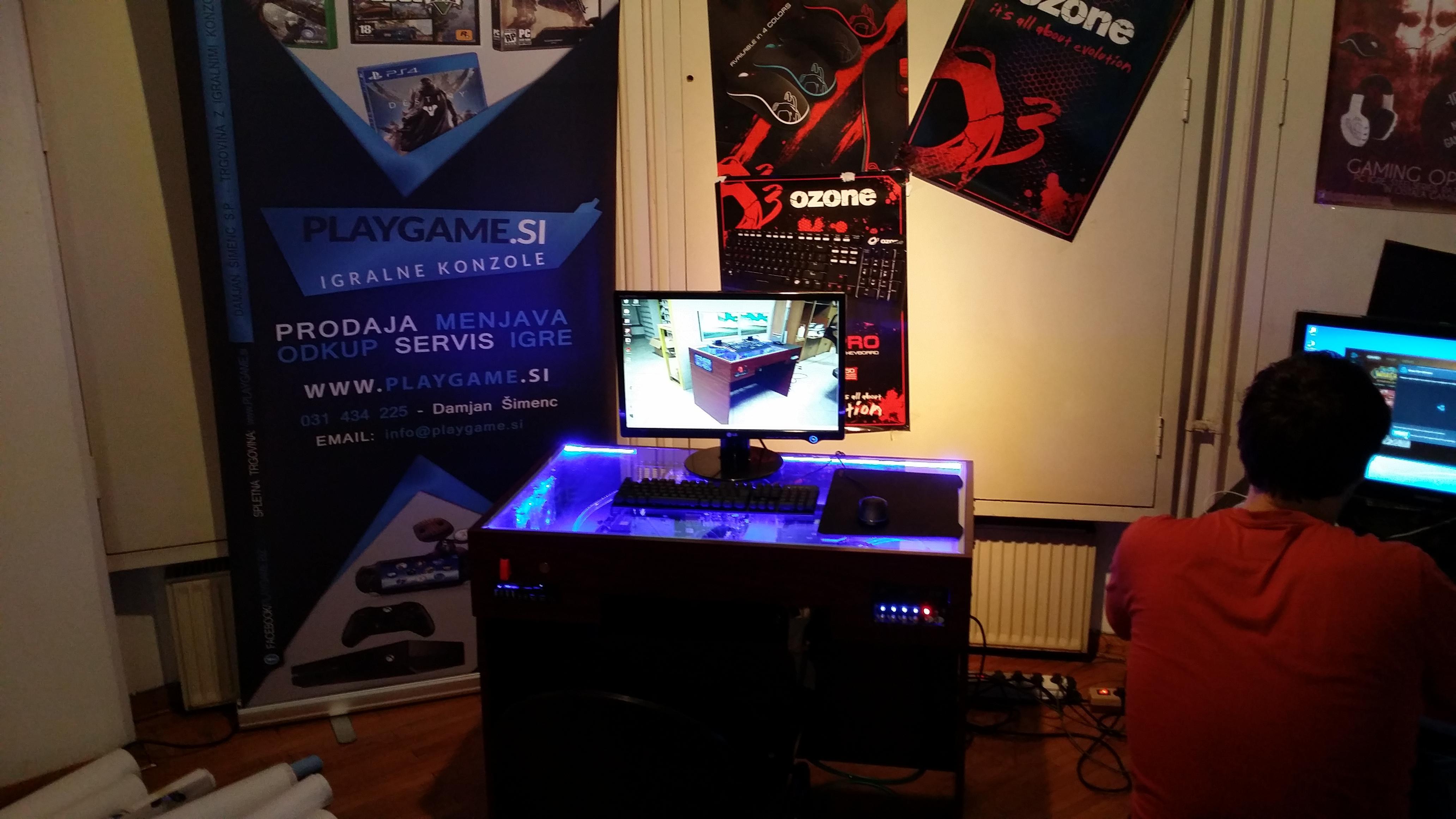 Blizzcon 2014 Ljubljana - S7 Desk 2014 - By S7 design